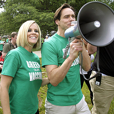 THE GREEN TEAM photo | Jenny McCarthy, Jim Carrey