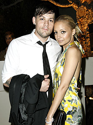 SWEET EMBRACE photo | Joel Madden, Nicole Richie