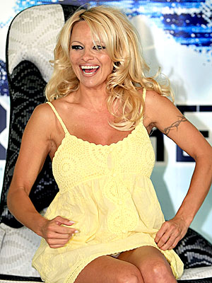 COFFEE BREAK  photo | Pamela Anderson, Tommy Lee