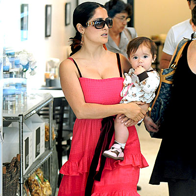 BABY GIRL'S ON FIRST photo | Salma Hayek