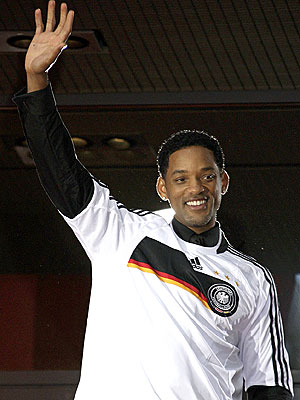 TEAM PLAYER photo   Will Smith