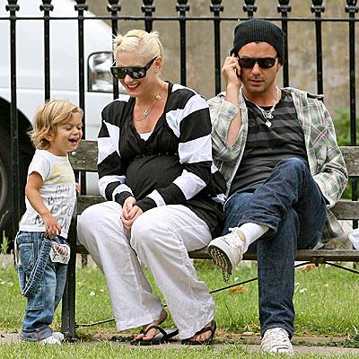 KIDDING AROUND photo | Gavin Rossdale, Gwen Stefani, Kingston Rossdale