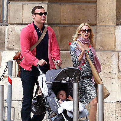 THE BIG PUSH photo | Liev Schreiber, Naomi Watts