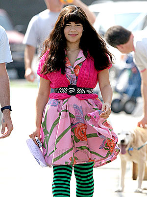 SET DRESSING photo | America Ferrera