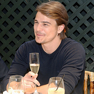 A SPARKLING MOMENT photo | Josh Hartnett