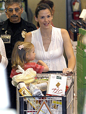 SHOPPING LIST photo | Jennifer Garner