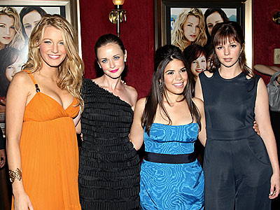 GIRLS IN 'PANTS' photo | Alexis Bledel, Amber Tamblyn, America Ferrera, Blake Lively