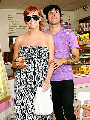 GOODIES TO GO photo | Ashlee Simpson, Pete Wentz