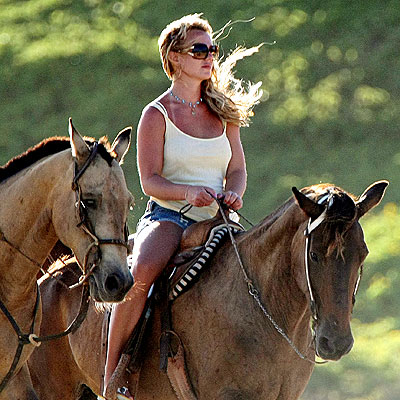 BACK IN THE SADDLE photo   Britney Spears