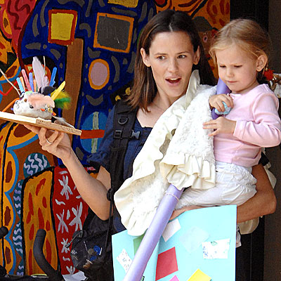 ART EXHIBIT photo | Jennifer Garner