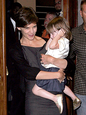EAR MUFFS photo | Katie Holmes, Suri Cruise
