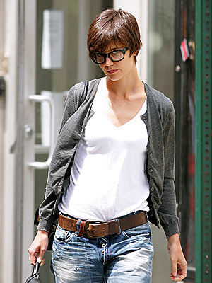 Katie Holmes New Haircut Ditto's Rihanna Short Hairstyle