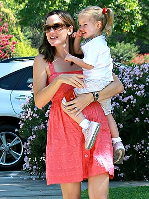 FLOWER GIRLS photo | Jennifer Garner, Violet Affleck