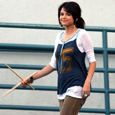 LITTLE DRUMMER GIRL photo  Selena Gomez