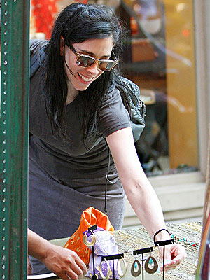 BARGAIN HUNTER photo | Sarah Silverman
