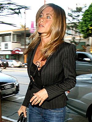 POWER BROKER  photo | Jennifer Aniston