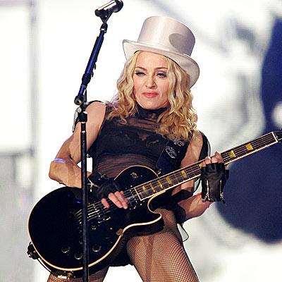 'STICKY' FINGERS photo | Madonna