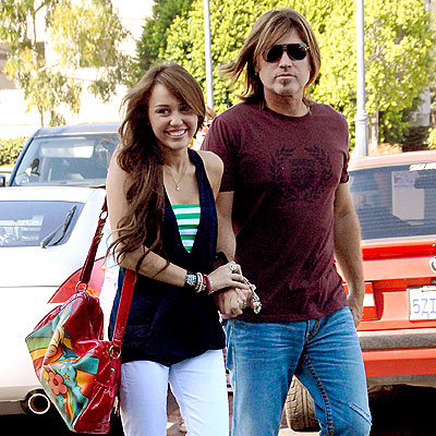 FAMILY MEAL photo | Billy Ray Cyrus, Miley Cyrus