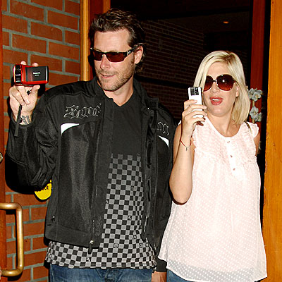 DOUBLE SHOT photo | Dean McDermott, Tori Spelling