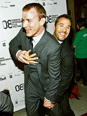 http://img2.timeinc.net/people/i/2008/startracks/080915/guy_ritchie.jpg