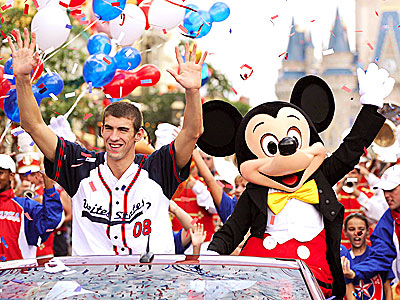 CROWD PLEASER photo | Michael Phelps
