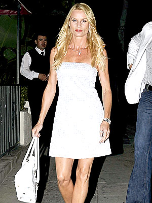LIVING SINGLE photo | Nicollette Sheridan