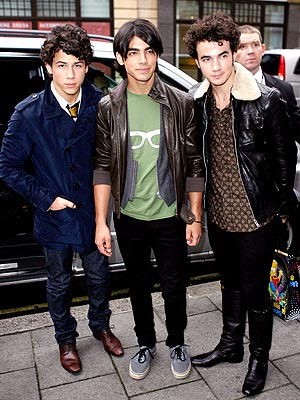 YOUNG 'GENTLEMEN'  photo | Joe Jonas, Jonas Brothers, Kevin Jonas, Nick Jonas