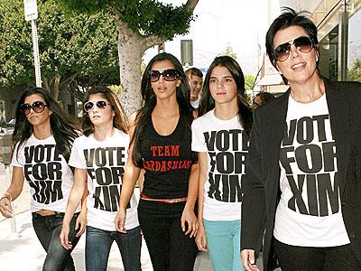 APOLITICAL CAUSE photo | Kim Kardashian