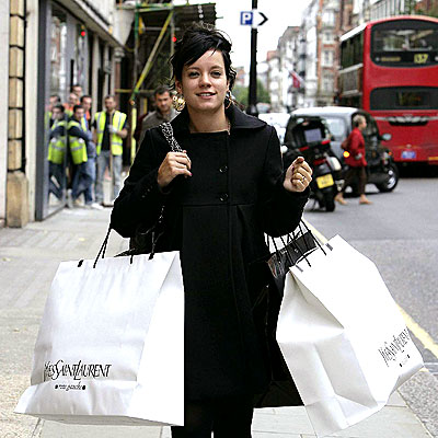 SMART SHOPPER photo | Lily Allen