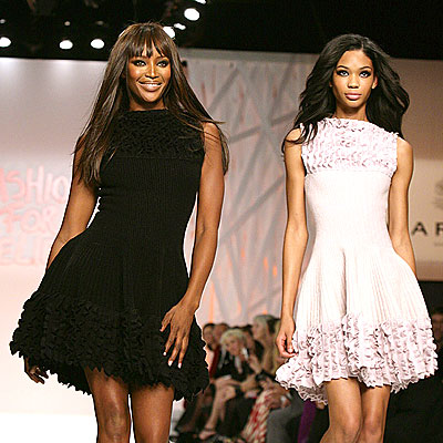 IT&#39;S A WALK OFF! photo | Naomi Campbell