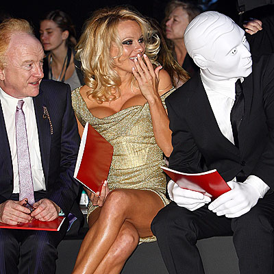 THRILL SEEKER photo | Pamela Anderson