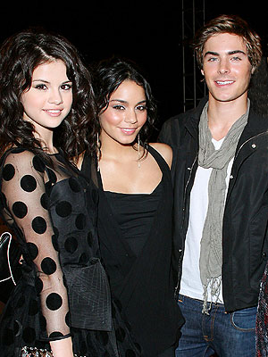 PRETTY &#39;YOUNG&#39; THINGS photo | Vanessa Hudgens, Zac Efron