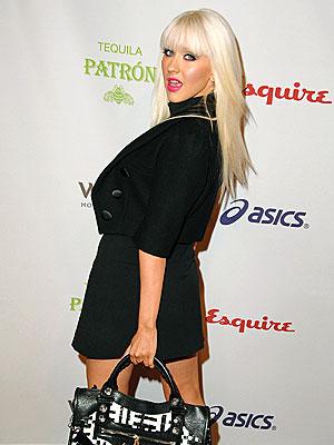 VOTER TURNOUT photo   Christina Aguilera