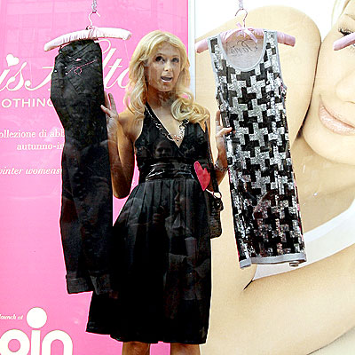 WINDOW DRESSING photo | Paris Hilton