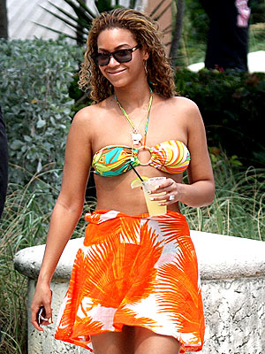 COOLING OFF photo | Beyonce Knowles