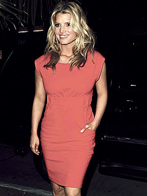 LADY IN RED photo | Jessica Simpson