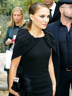 TRÉS CHIC photo | Natalie Portman