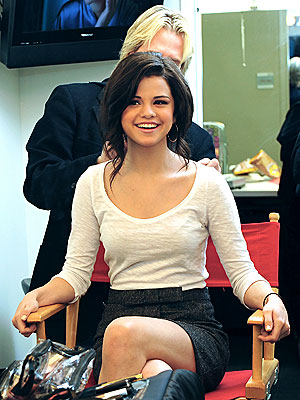SITTING PRETTY photo  Selena Gomez
