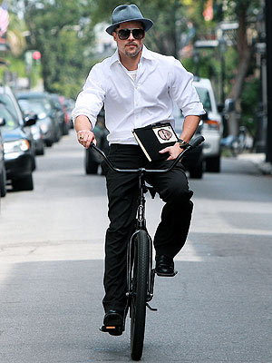 BIKE MESSENGER photo | Brad Pitt