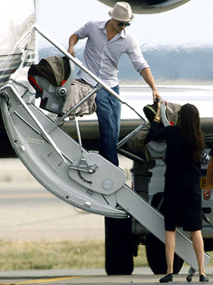 CARRY-ON CUTIES photo | Angelina Jolie, Brad Pitt