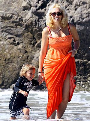 TREADING WATER photo   Gwen Stefani, Kingston Rossdale