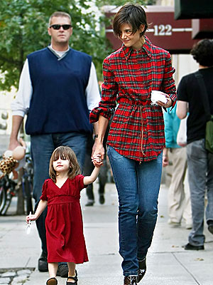 WHAT'S THE SCOOP? photo | Katie Holmes, Suri Cruise