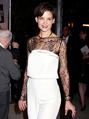 SHOW GIRL  photo | Katie Holmes