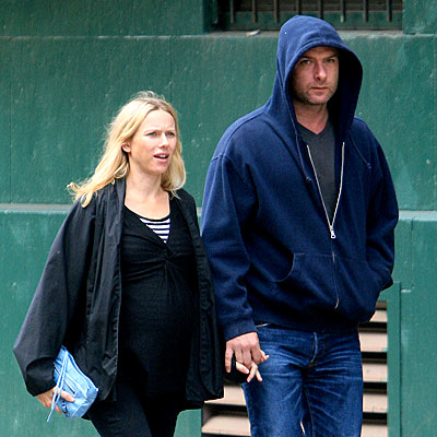 ZIP IT  photo | Liev Schreiber, Naomi Watts