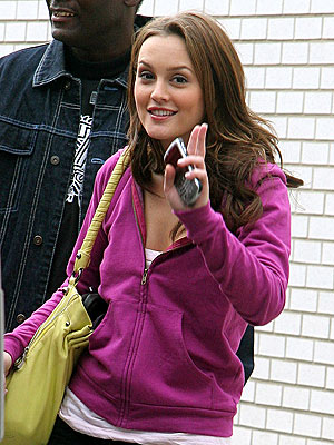 WORKING 'GIRL' photo | Leighton Meester