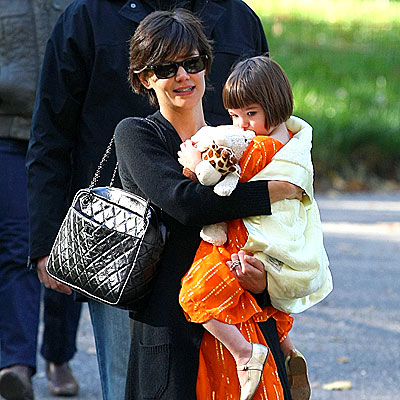 MOMMY & ME photo | Katie Holmes, Suri Cruise