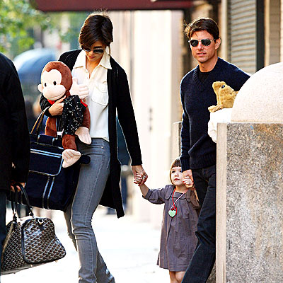 ANIMAL PACK photo | Katie Holmes, Suri Cruise, Tom Cruise
