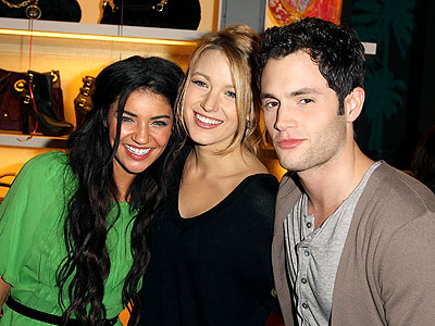 THREE'S COMPANY photo | Blake Lively, Jessica Szohr, Penn Badgley