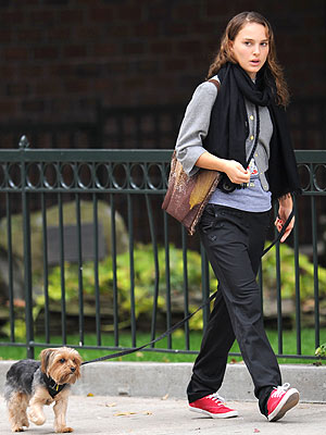 DOG WALKER photo | Natalie Portman