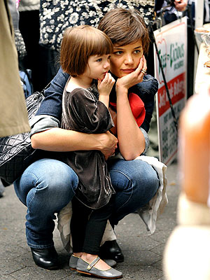DEEP THOUGHTS photo | Katie Holmes, Suri Cruise